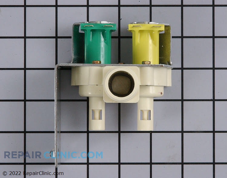Water inlet valve with push on quick connections for the water outlets.