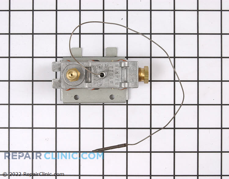 Gas oven safety valve assembly with pilot thermocouple