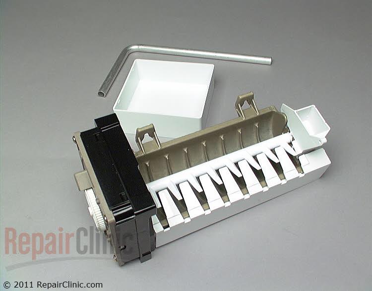 Universal icemaker kit with installation hardware