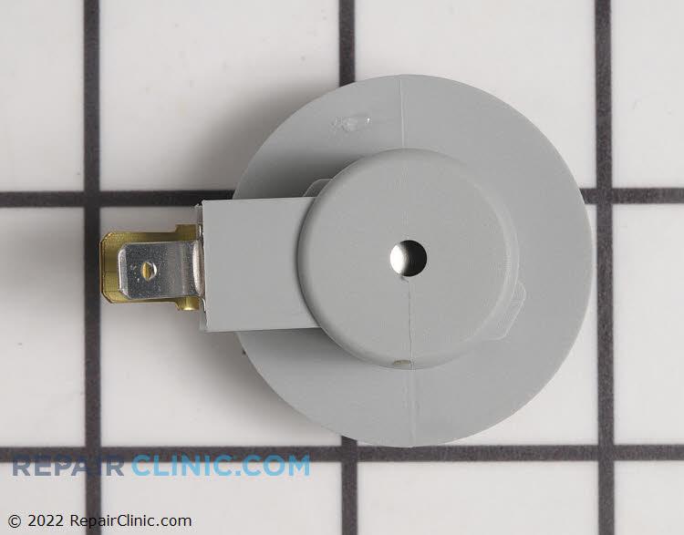 Light Socket 532175242 Alternate Product View