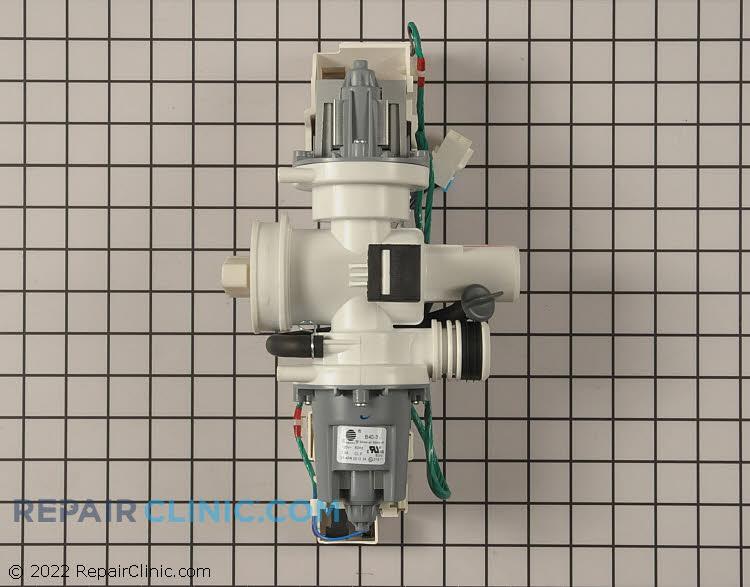 Drain & circulation pump assembly