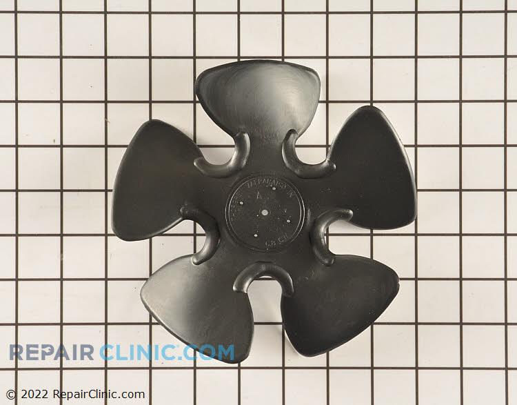 Blade-condenser fan