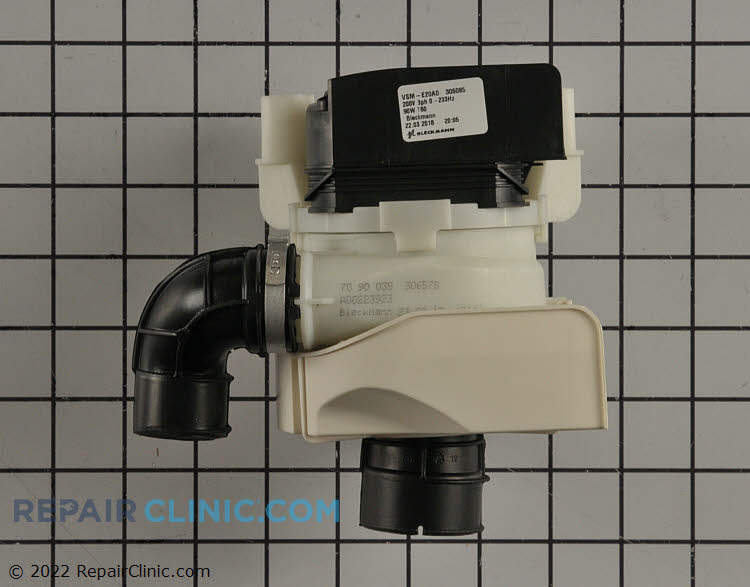 Circulation pump assembly with heater