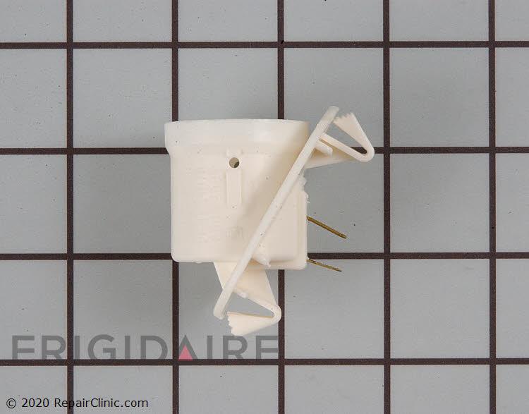Light Socket 218906802 Alternate Product View